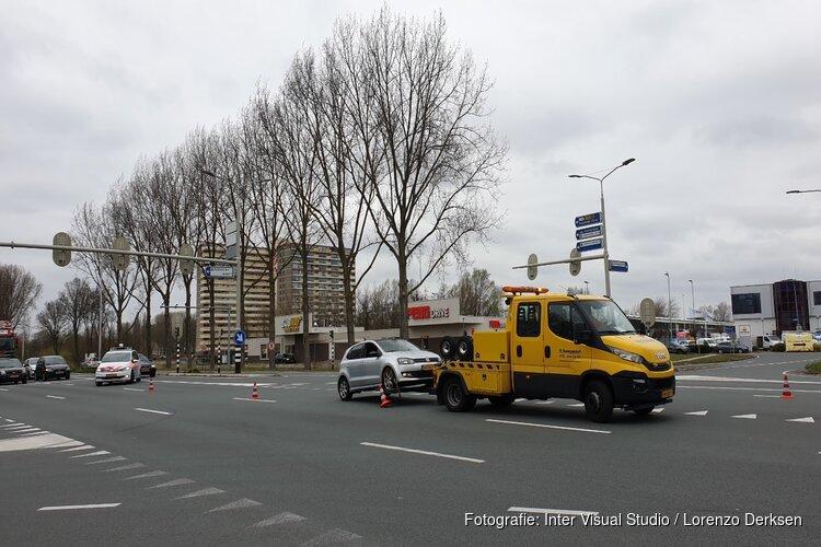 Auto klemgereden door politie in Oostzaan