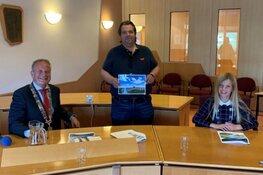 Frank Evenblij in jury vakantiefotowedstrijd Waterland